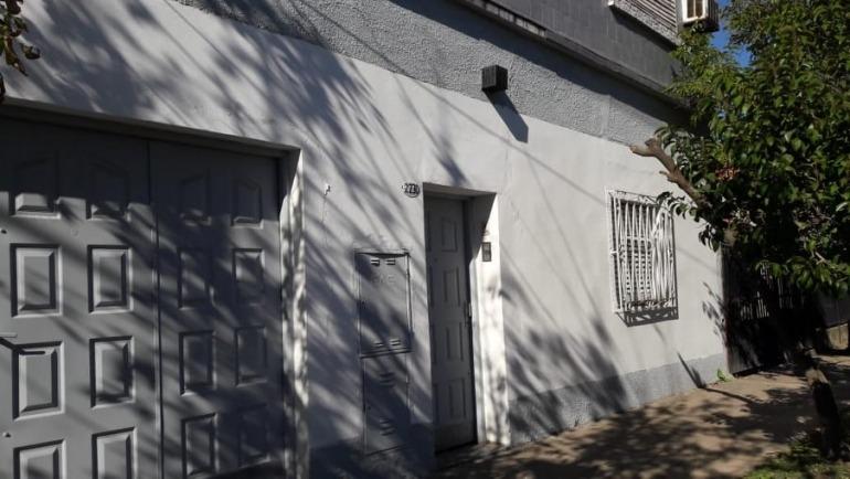 casa a la venta en gregorio de laferrere. 2 plantas . ideal vivienda multifamiliar