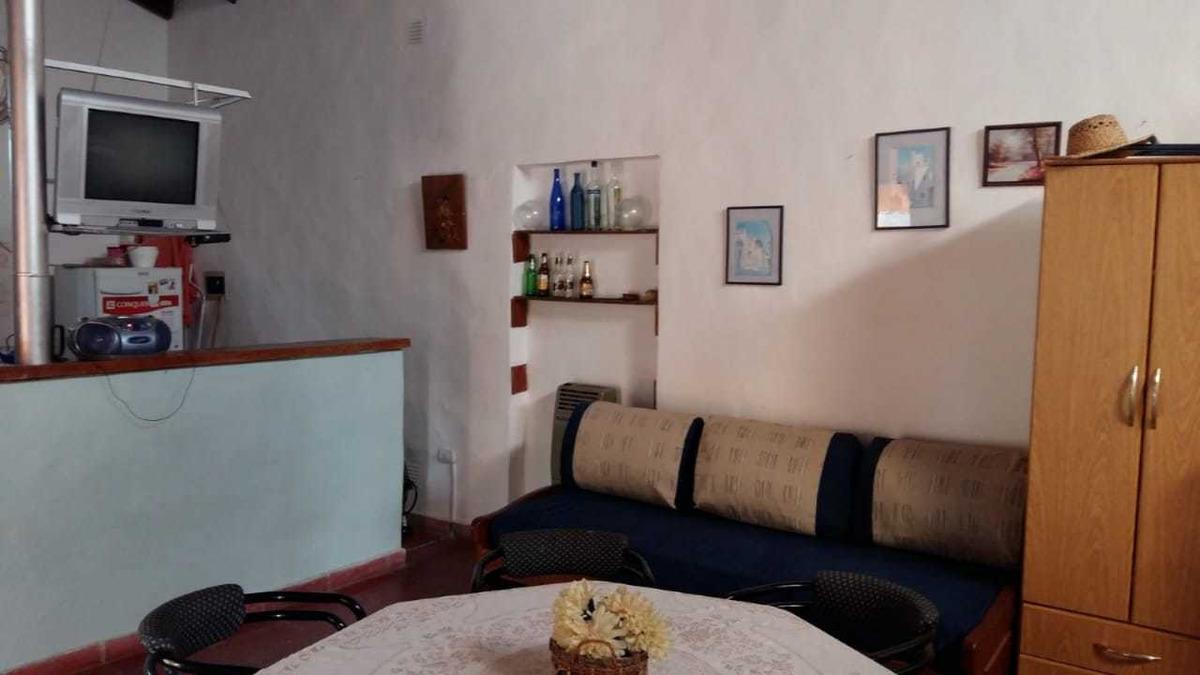 casa a la venta en villa parque siquiman frente al lago.(c36)