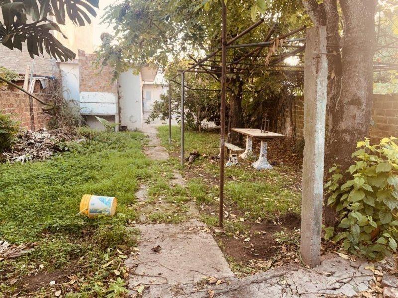 casa a reciclar 3 ambientes c/ parque a mtrs de av. 21, bera