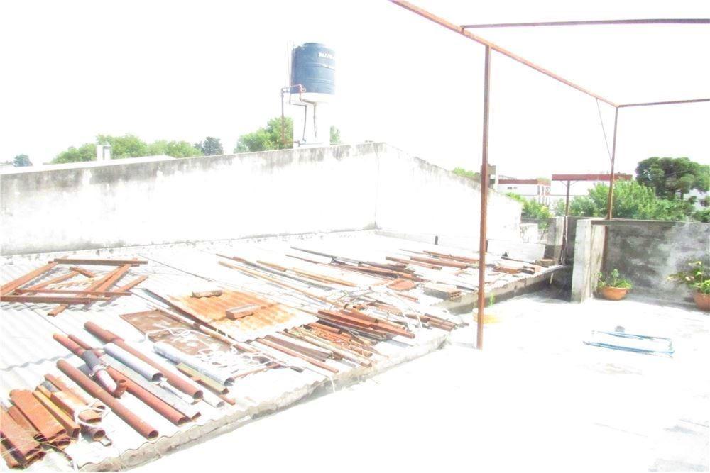 casa a reciclar dos plantas j. velez 4030