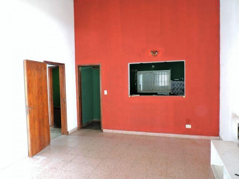 casa a reciclar/demoler en villa gesell - zona centro