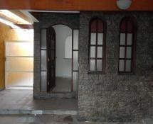 casa a venda 2 dormitórios, sala e cozinha ampla  2 vagas