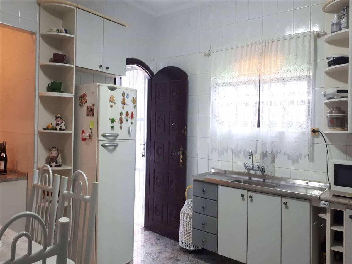casa a venda, 2 dormitórios sendo 1 suite, 148m2, vila tupiri,praia, grande/sp - em72