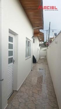 casa a venda com 2 dormitórios