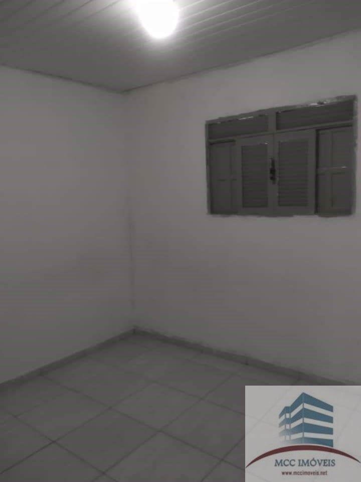 casa a venda com kit-net em emaús