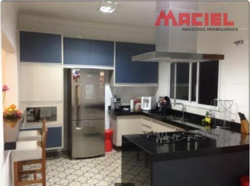casa a venda em condomínio fechado repleto móveis planejados