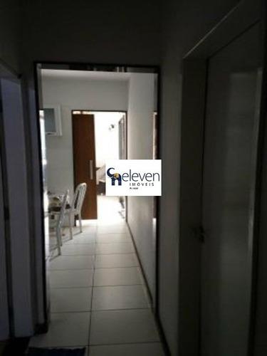 casa a venda no bairro de muchila em feira de santana com 3 quartos sendo uma suite, sala, varanda, cozinha , área de serviço, 2 banheiros, 3 vagas, 432 m². - cs00174 - 32855524