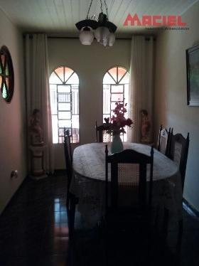casa a venda parte superior + 02 cômodos.
