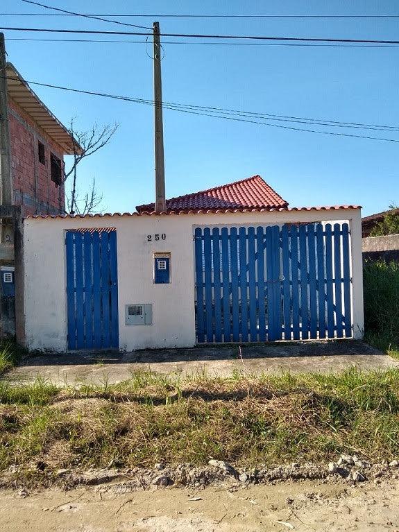 casa a venda próximo a rodovia e comércios em itanhaém