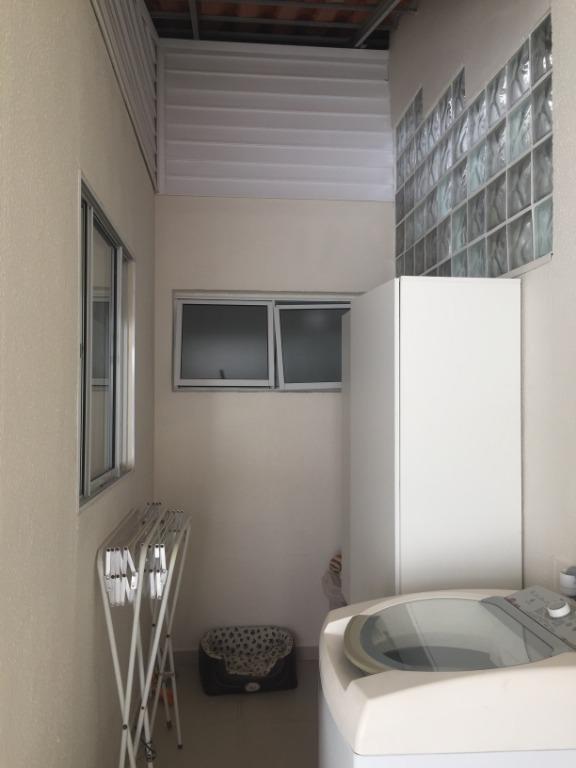 casa aconchegante no cond. terra nova, 2 suítes, semi mobiliada, varanda com churrasq, 2 vagas - ca2089