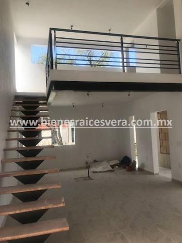 casa adriana - venta en conjunto cerrado céntrico en tequisq