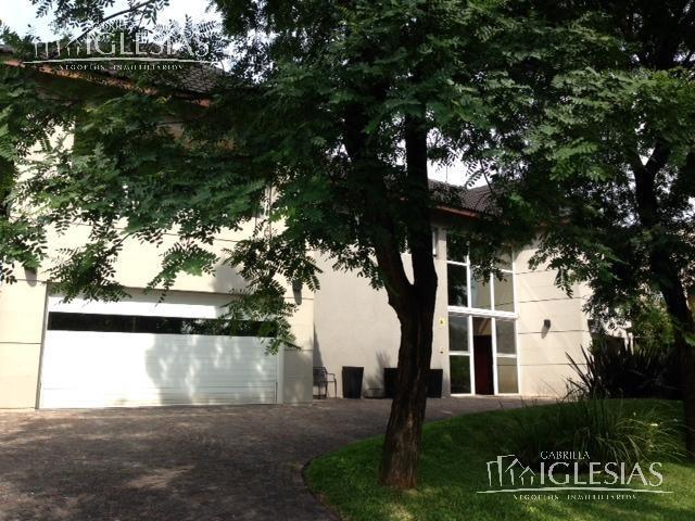 casa al agua en venta ( con renta ) 4 dormitorios en los castores, nordelta