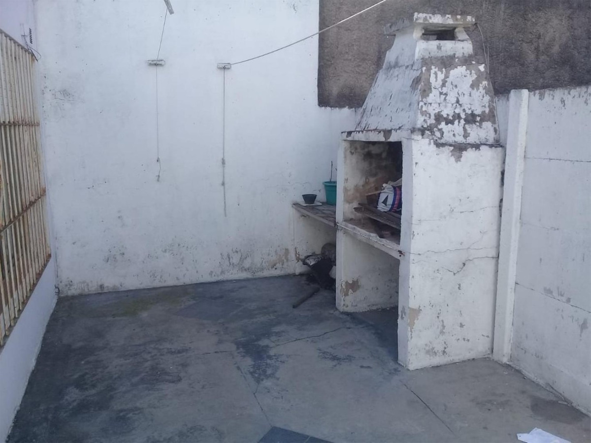 casa al frente 3 ambientes con cochera