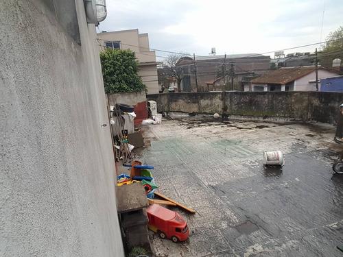 casa al frente de 3 ambientes con patio living comedor cocina comedor dos baños amplia terraza f: 7436