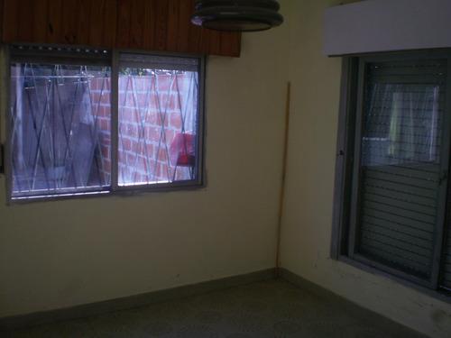 casa al frente de 4 ambientes