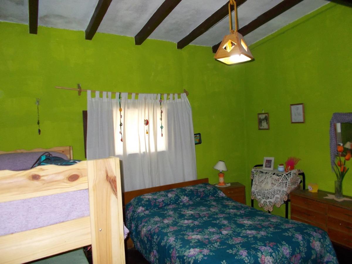 casa al lado del arroyito 2 dorm. quincho. garaje. la falda