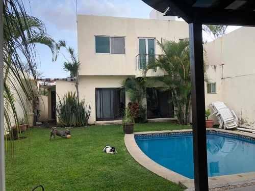 casa al norte de cuernavaca con recamaras en pb