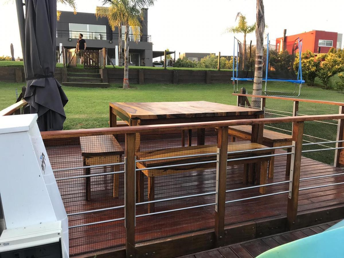 casa al río con muelle, 5 ambientes con piscina. diseño moderno. san benito