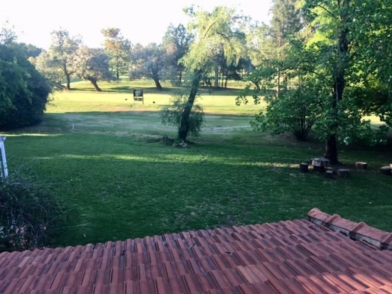 casa alq temporario febrero- muy linda casa con muy buena ubicación con doble lote al golf