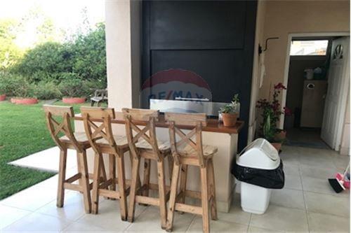 casa-alquiler-gral rodriguez country/ b cerrado