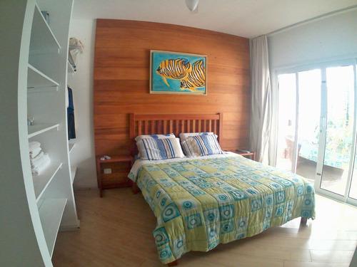 casa alto padrão com piscina na praia de itapoá sc.