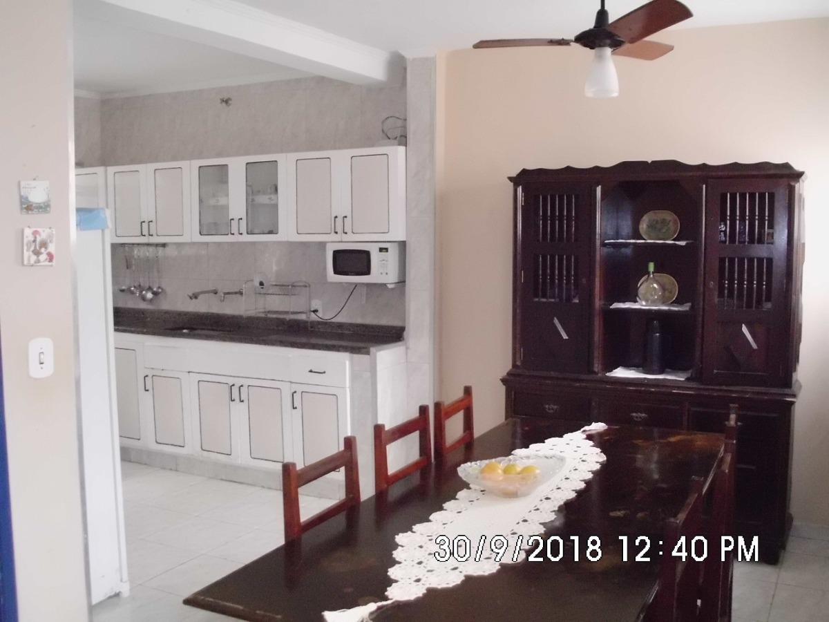 casa amarela com todo conforto do seu lar