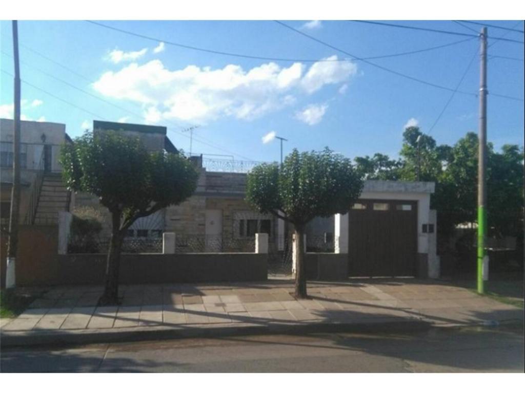 casa americana 4 amb c/cochera y patio