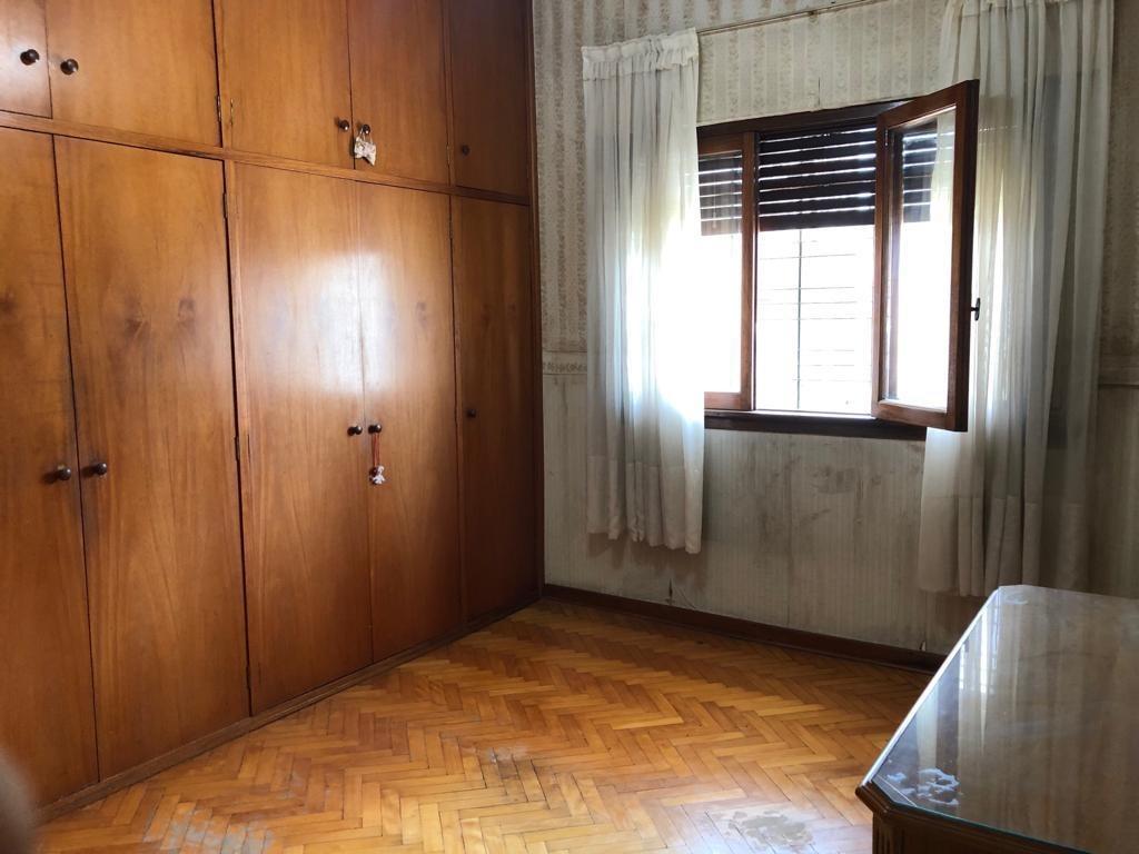 casa americana tres ambientes, con cochera pasante