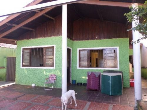 casa ampla, apenas 500 metros da praia com 3 quartos!