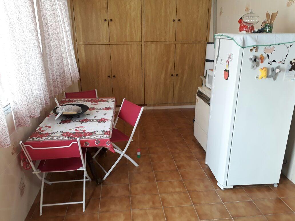 casa ampla com edícula - 1051