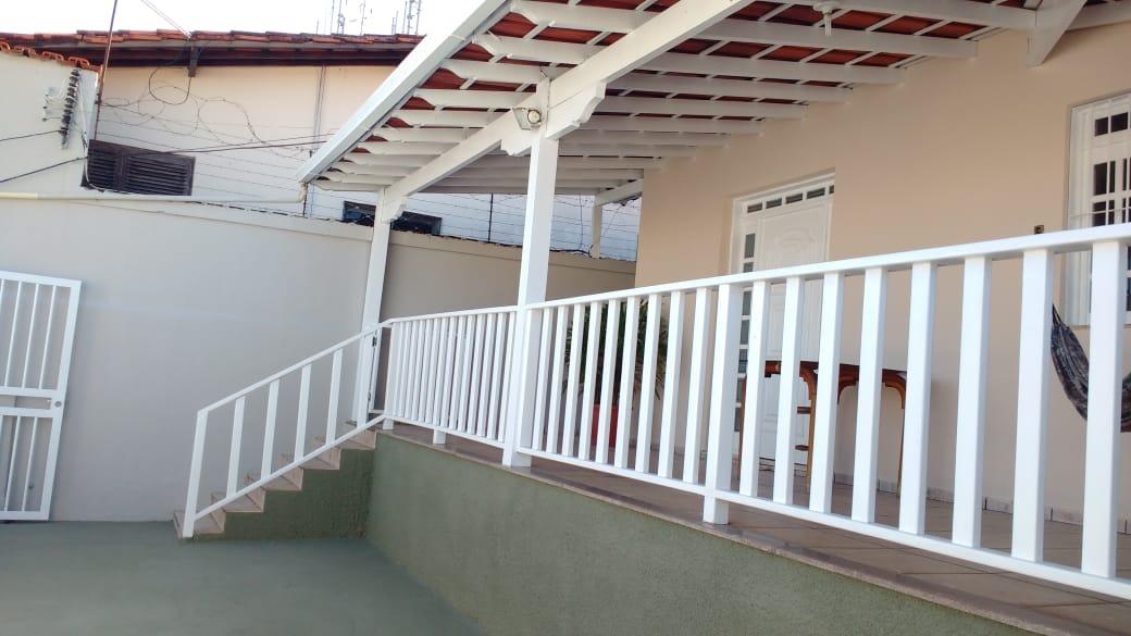 casa ampla de 3 quartos no bairro sagrada família - pr2550