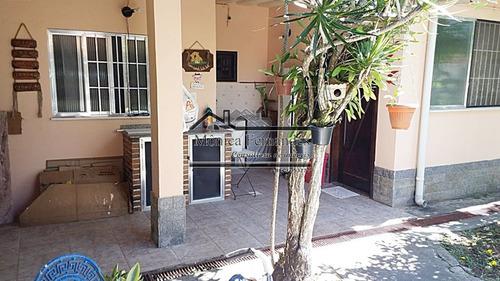 casa ampla e arejada com terraço e com 1 anexo completo pert