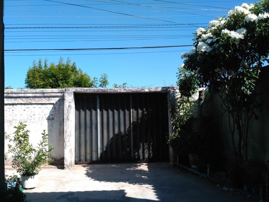 casa ampla na avenida sabiaguaba próximo praia.