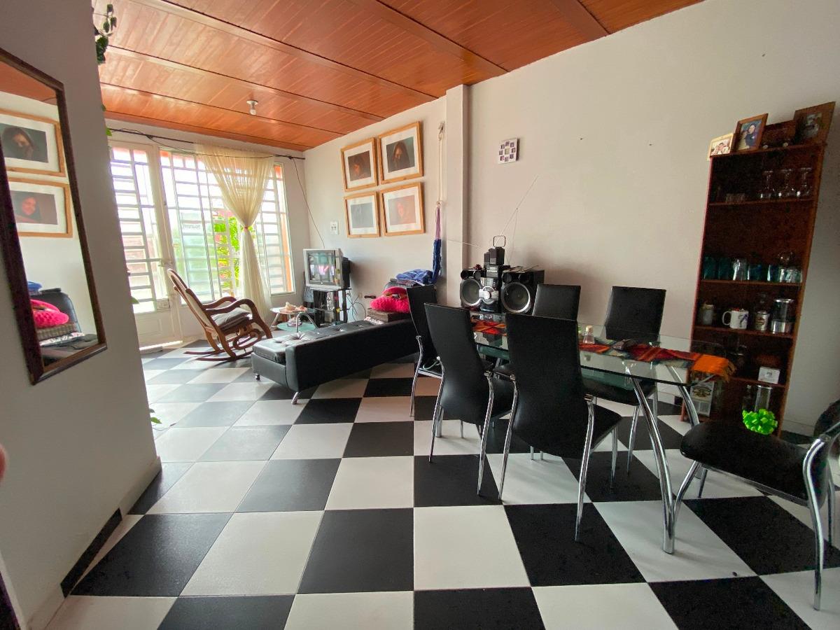 casa amplia, ambiente fresco, 3 habitaciones. ampliable