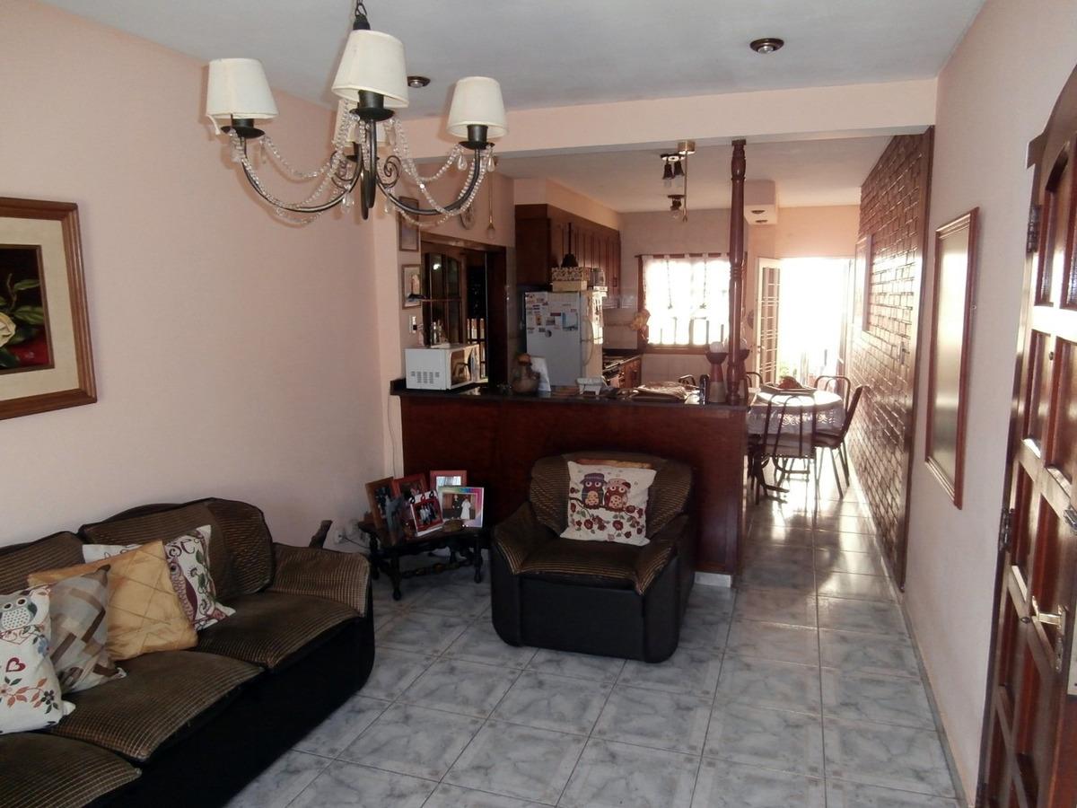 casa amplia con 2 dormitorios en villa bosch