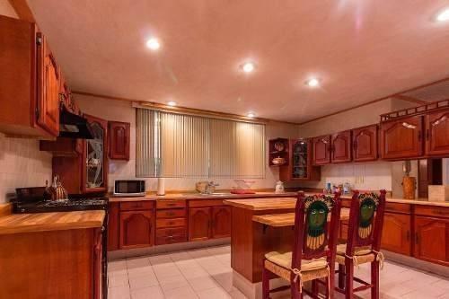 casa amplia de lujo, primera sección jockey club, el palomar