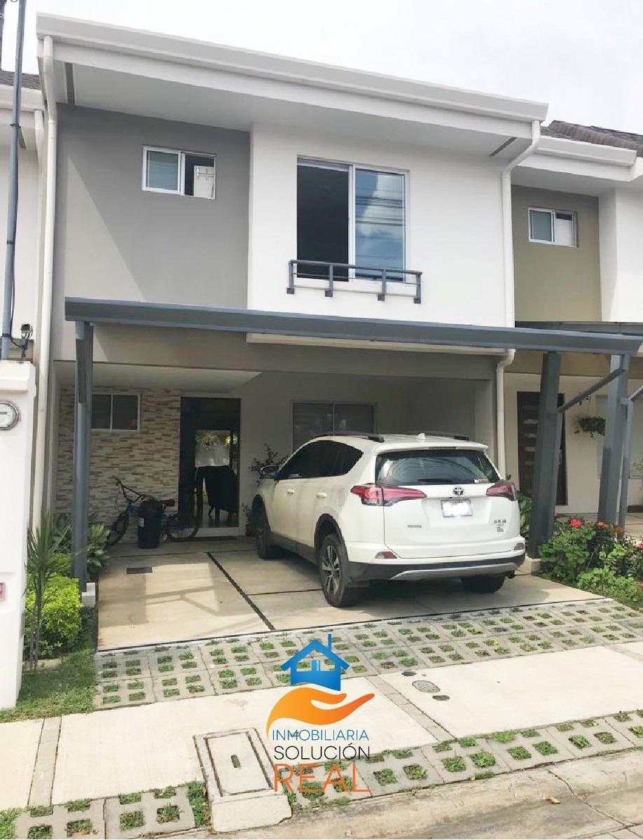 casa  amplia en condominio, con piscina, gym. patio amplio