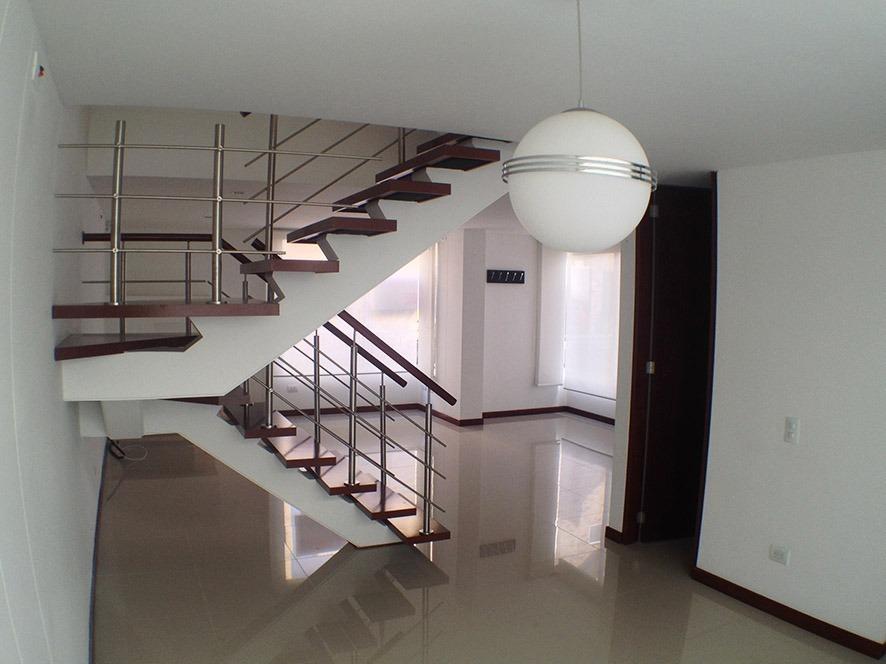 casa amplia iluminada excelente ubicación