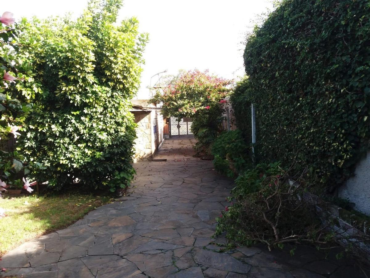 casa amplia, la unión.  cómoda con jardín y patio.