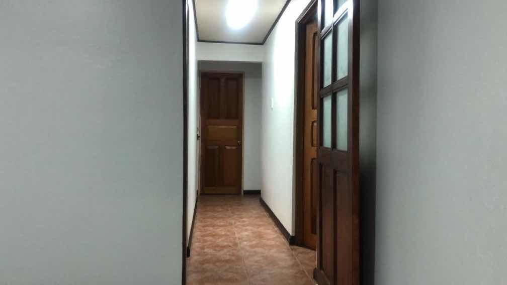 casa amplia sala y comedor 3 cuartos 2 baños  3 parqueos