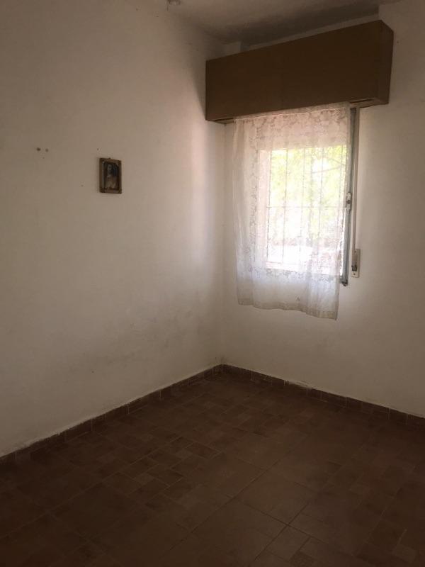 casa amplia, techo planchada, 3 dormitorios y más...