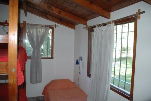 casa amplio jardín 3 amb. con parrilla/entrada autos/alarma