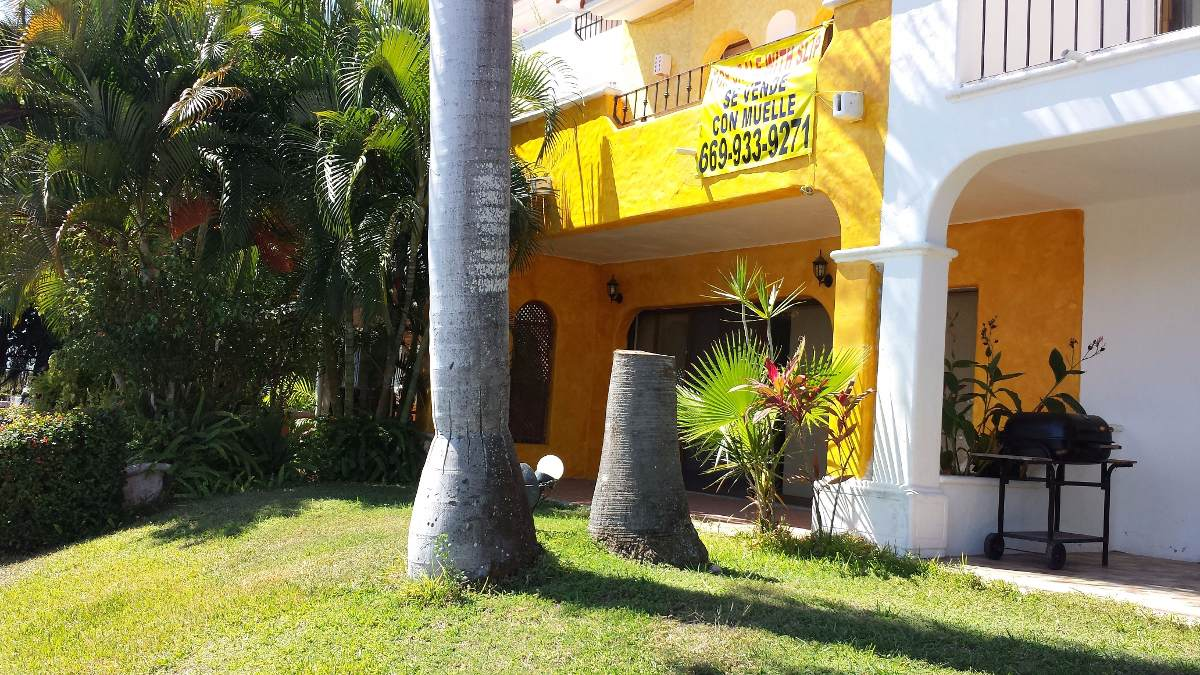 casa amueblada 3 recamaras 4 baños con muelle de 41' iguanas
