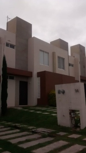 casa amueblada excelente oportunidad para ejecutivos en una de las zonas mas exclusivas de querétaro