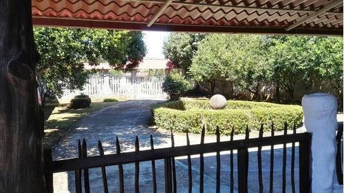 casa amueblada y con piscina grande