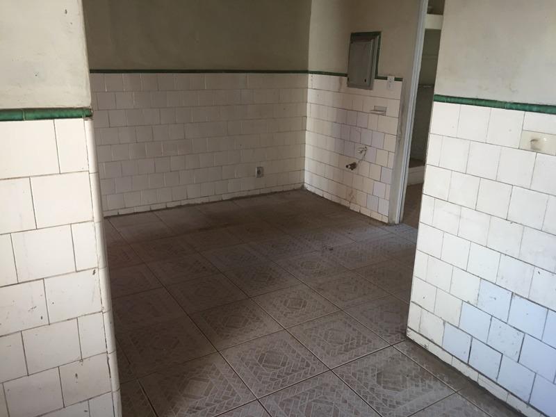 casa antiga, 02 quartos com barracão nos fundos. - pr2438