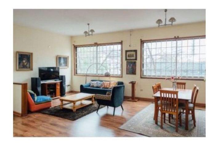 casa apta para local en venta, metro baquedano