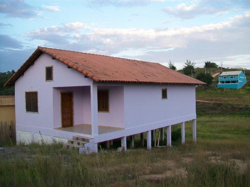 casa araruama rj condomínio 2 qts sendo 1 suíte r$ 140 mil