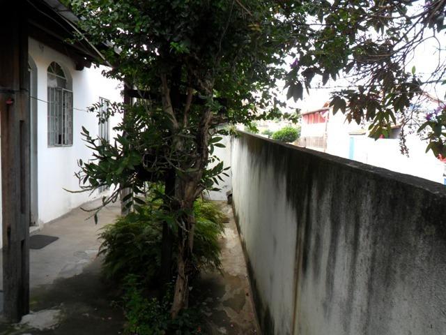 casa bairro santa cruz, próximo a av. bernardo vasconcelos. - 1941