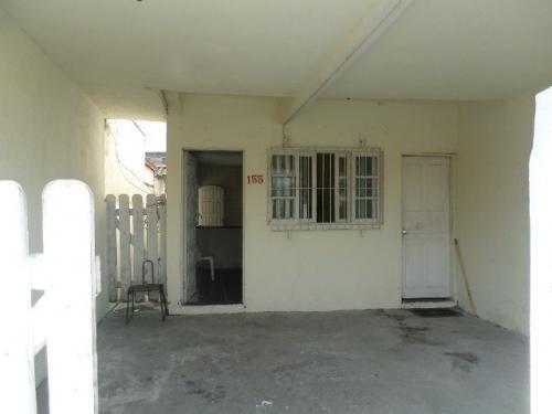 casa barata com 2 quartos, lado praia, perto de comércios!
